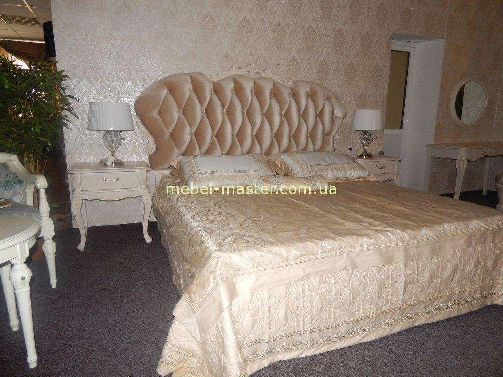 Белая классическая спальня с мягким изголовьем Карпентер 286