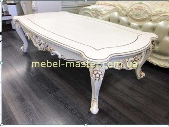 Красивый белый резной столик из массива натурального дерева