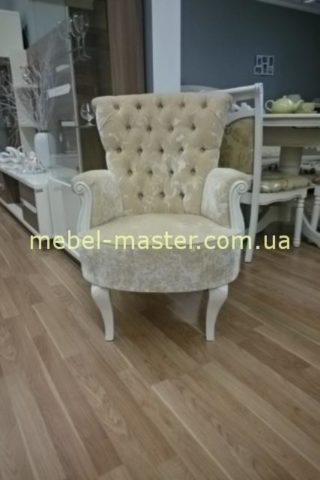 Светлое классическое кресло для отдыха Капри