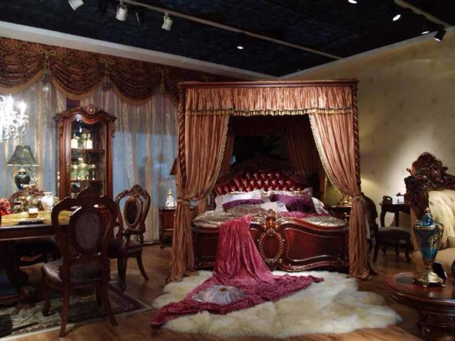 Классическая кровать Карпентер 228 с балжахином