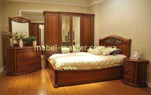 Кровать с твердым изголовьем и ковкой Фейлонг в цвете орех.