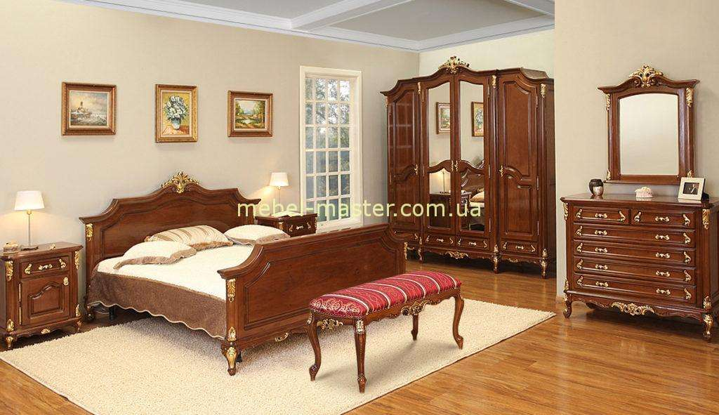 Кровать 1800 из массива Роял с золотой патиной. Румыния.