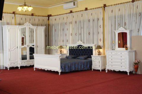Красивая белая классическая спальня Регал с синим изголовьем. Симекс.