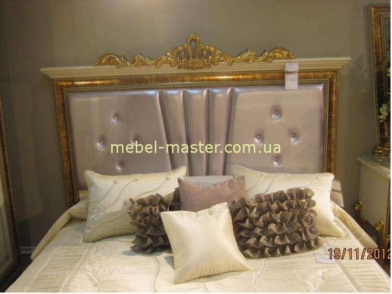 Изголовье кровати Луи