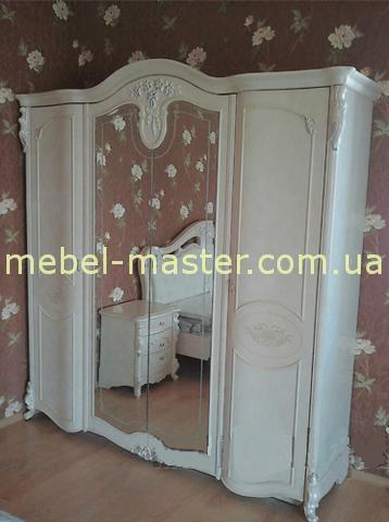 Белый классический шкаф Лукреция