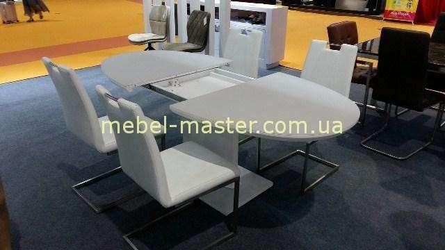 Круглый раздвижной стол обеденный белый.