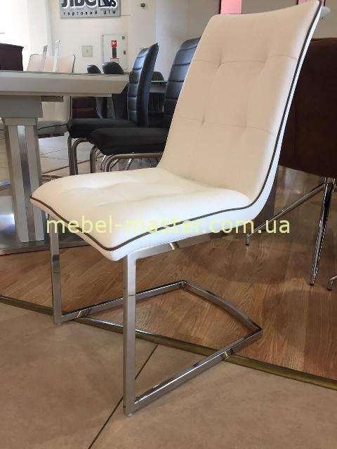 Белый стул в стиле модерн Phoenix