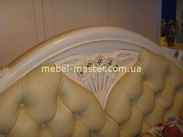 Кожаное изголовье кровати Карпентер 108, Испания