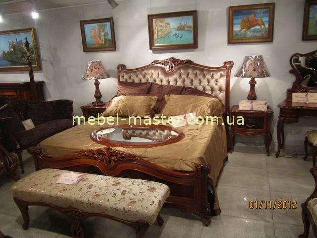 Деревянная кровать с тканевым изголовьем Карпентер 238