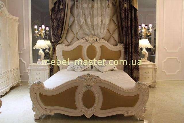 Белая классическая кровать Карпентер 228 из массива.