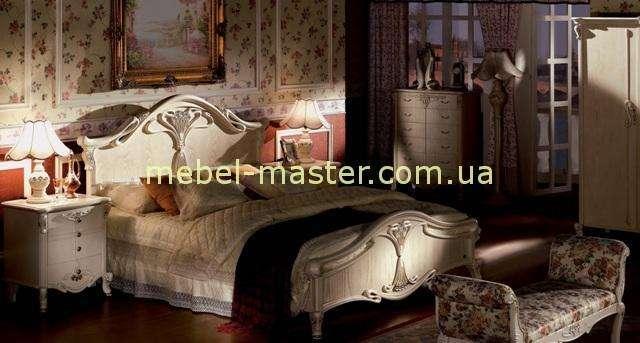 Белая кровать с резным ивердым изголовьем Карпентер 108