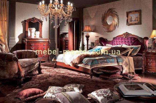Дорогая элитная кровать с ушками Карпентер 228 в цвете орех.
