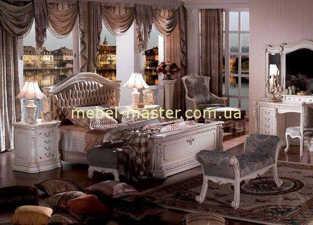 Красивая белая кровать из массива натурального дерева Карпентер 208 со стуктурой дерева.