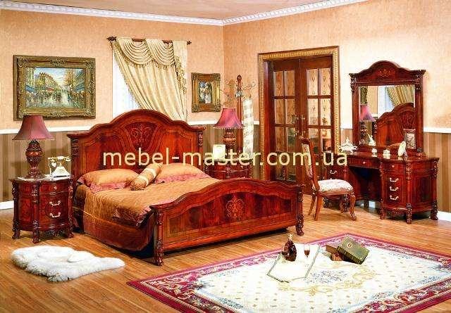 Кровать В с круглым, твердым изголовьем Карпентер 221, Испания