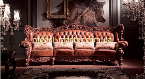 Большой четырехместный резной кожаный диван из коллекции Карпентер 228