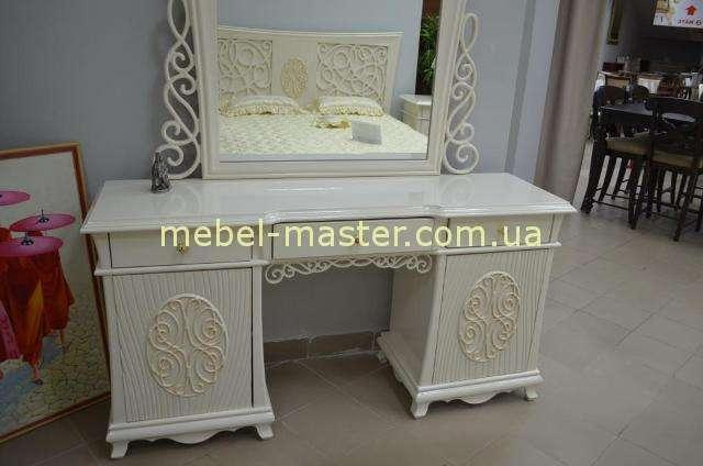 Резной туалетный стол для спальни Аврора, Китай
