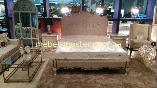 Недорогая кровать 1800 в обивке рогожка, Америка