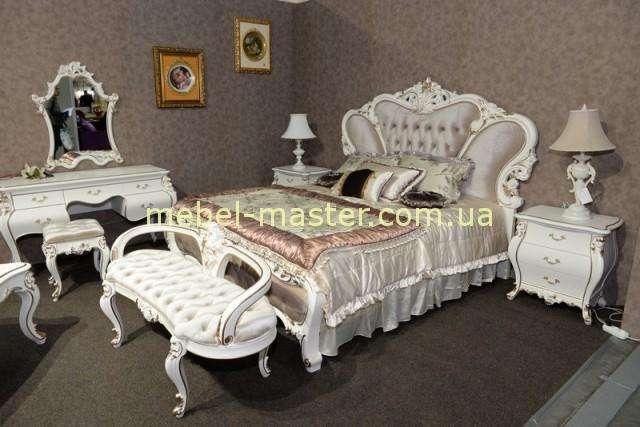 Белая мебель для спальни в классическом стиле Пале Рояль.