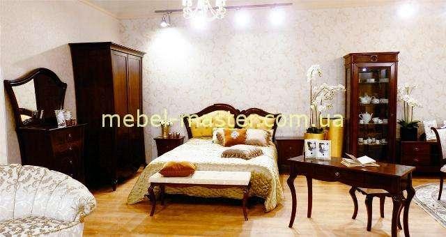 Коричневая кровать Капри, Румыния