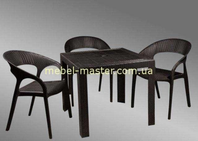 Черный квадратный стол из искусственного ротанга. Китай