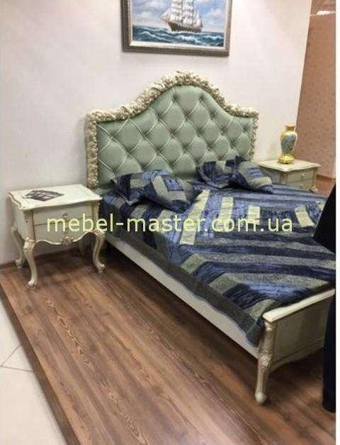 Классическая кровать с тумбочкой Люсиль