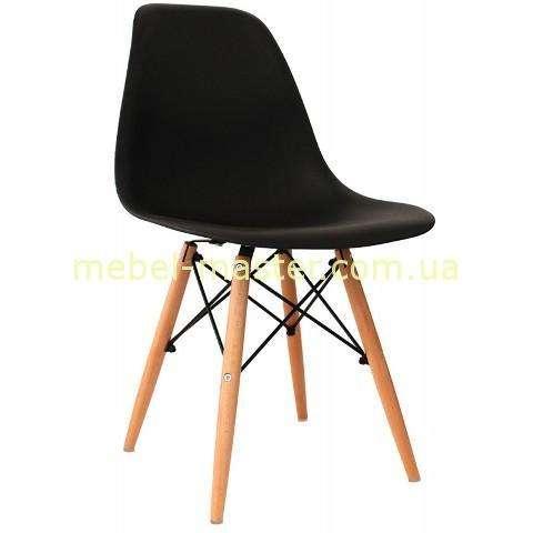 Черный стул из пластика на деревянных ногах DS-913 ENZO