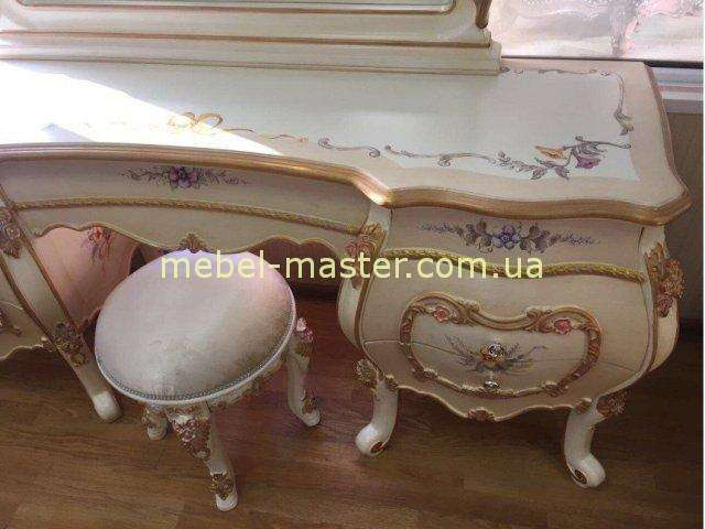 Расписной туалетный стол в стиле барокко