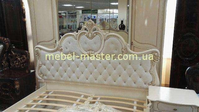 Резная кровать св стиле барокко Лорена в цвете слоновая кость