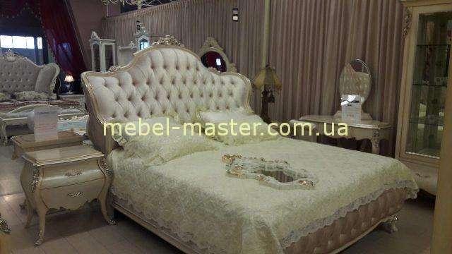 Резная кровать из массива натурального дерева Клеопатра Люкс, Симекс