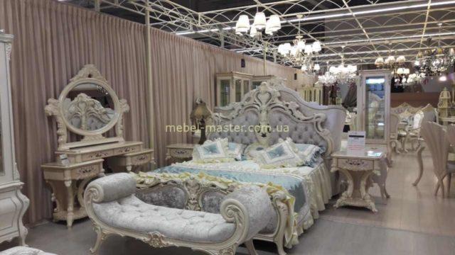 Дорогая резная мебель для спальни в стиле барокко Ренессанс