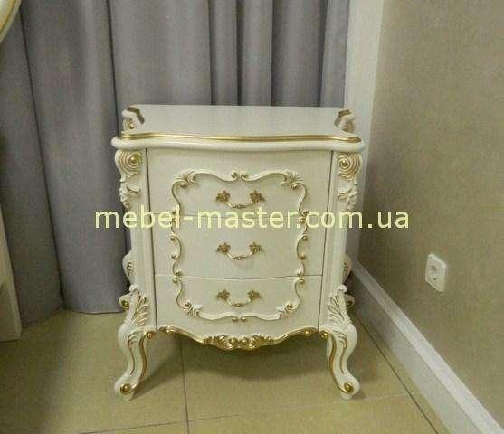 Белая классическая тумбочка с золотой патиной Людовик