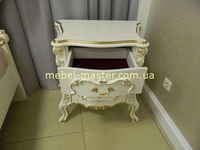Классическая тумбочка с позолотой в мебельный гарнитур Людовик, Энигма