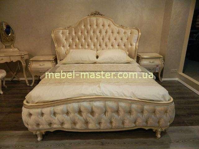 Светлая кровать с мягким изголовьем Грация, Энигма
