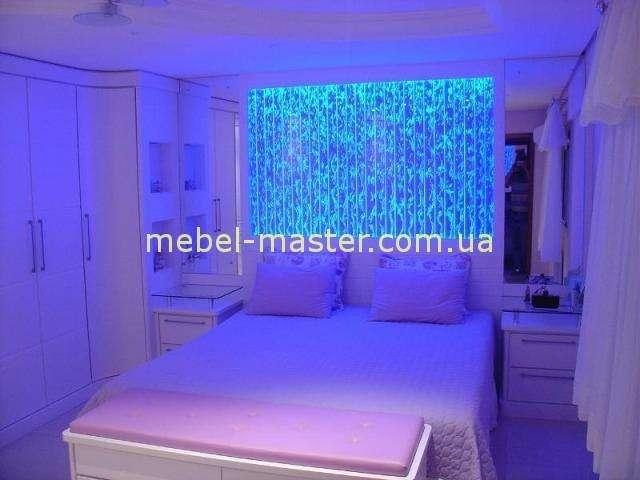 Воздушно-пузырьковая панель как изголовье кровати