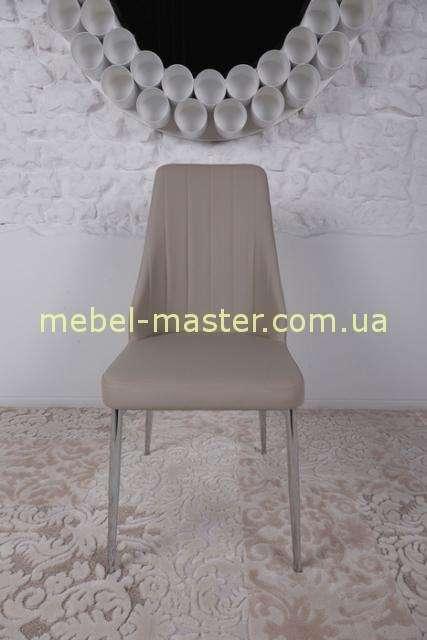 Бежевый стул из экокожи Кросби. Николас