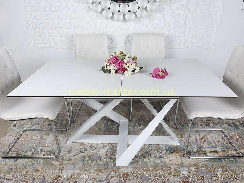 Белый обеденный стол на фигурных ногах Флетвуд, Николас