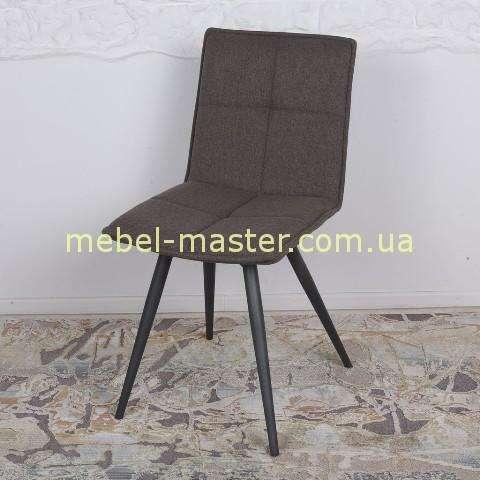Коричневый стул Мадрид, Николас