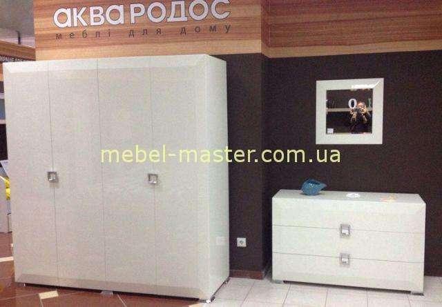 Белый глянцевый шкаф для спальни Карат Вайт
