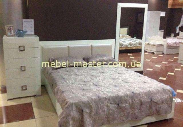 Белая кровать в стиле модерн с мягким изголовьем Карат Вайт, Аквародос