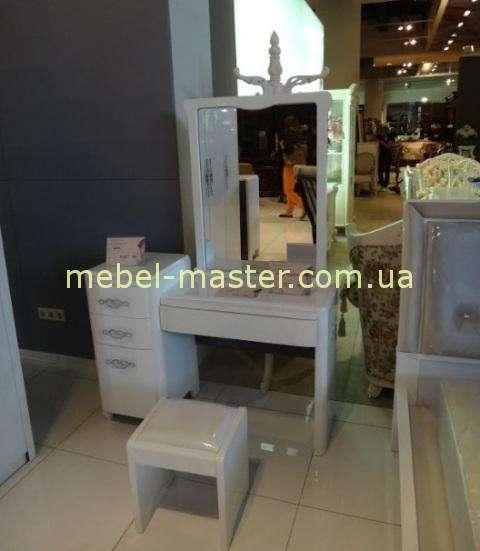 Модерновый туалетный столик для детской спальни Амели, Малайзия