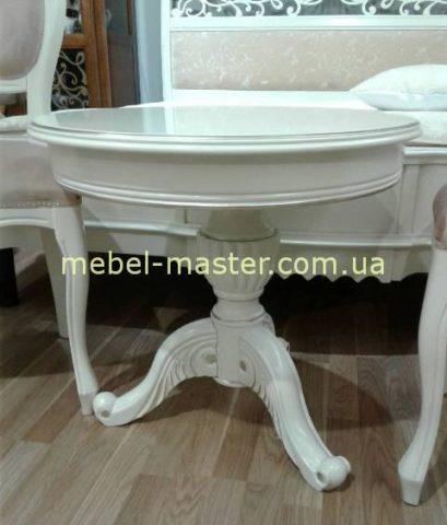 Недорогой белый резной кофейный столик в стиле классика
