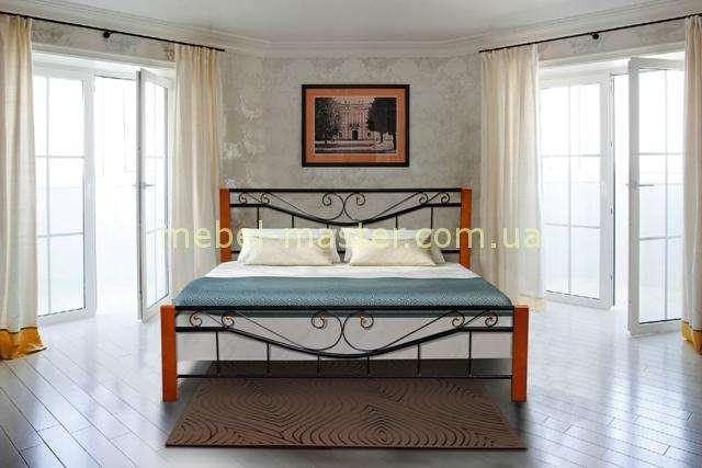 Кованая кровать с єлементами дерева Милениум, Микс мебель