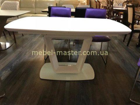 Недорогой белый стол для обеда с фигурной ногой Бруклин, Джосс