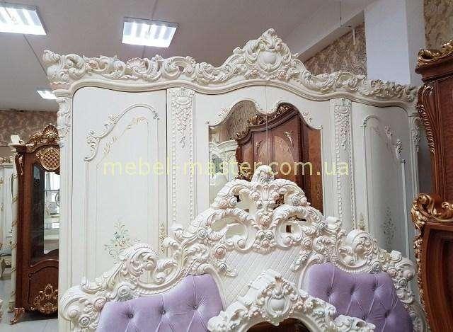 Четырехдверный шкаф и резное изголовье кровати Мона Лиза, Китай