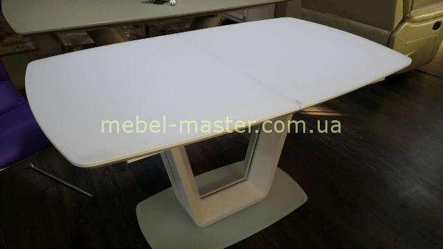 Белая столешница из матированого стекла стола Бруклин