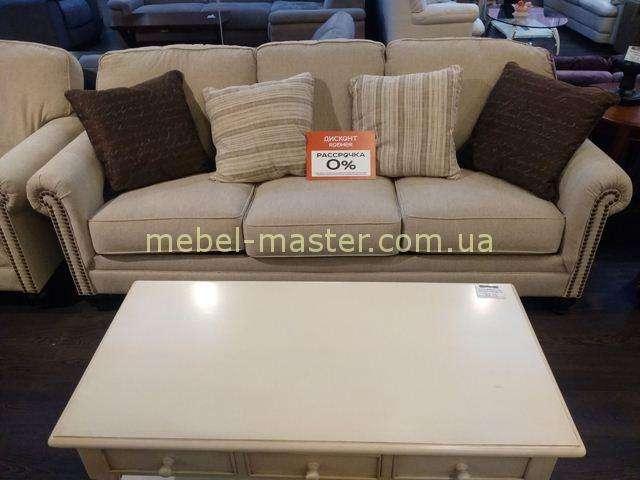 Классическитй диван из рогожки Эшли 1300039, Америка