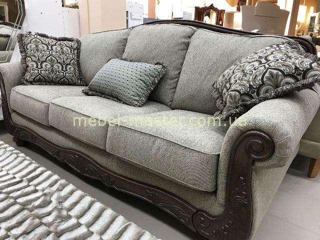 Классический диван с деревянными накладками 5760338