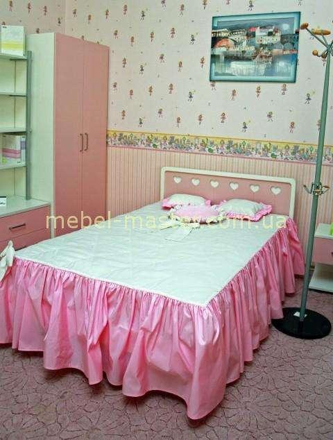Розовая мебель для девочки в спальню
