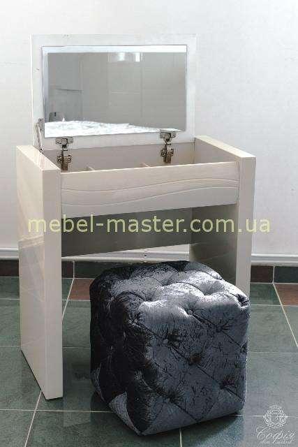 Модный туалетный столик с зеркалом Тиффани, София