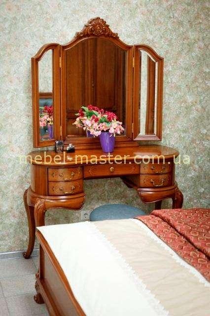 Ореховое классическое трюмо на ножках для спальни 8252, Николас